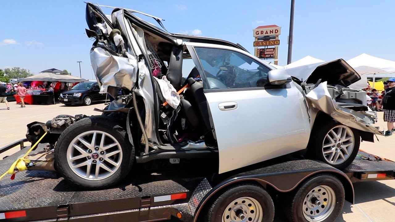 Texting While Driving >> 3 KILLED BY SOMEONE TEXTING WHILE DRIVING - YouTube