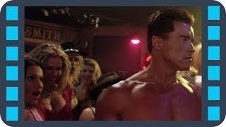 T-850 на шоу мужского стриптиза — «Терминатор 3: Восстание машин» (2003) сцена 2/10 HD