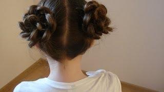 Цветы из кос. Видео-урок.(Видео- урок, как сделать объёмные цветы из кос. Красивая праздничная причёска., 2014-03-03T13:38:24.000Z)