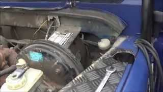 How to replace the clutch master cylinder on a Defender (with basic tools)