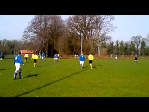 Amazing goal scored by Randy Visser (Mec 4 - Bredevoort 4  05/04/2010)