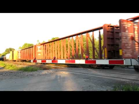 Ontario Trip Video 30 of 36 CN Mixed Train @ Newtonville Ontario SD70M-2 8873 Leading