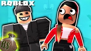 Sneaking Into Houses In Bloxburg (Roblox Trolling)