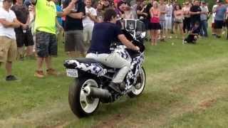 Kawasaki Ninja 600 Revving Bike