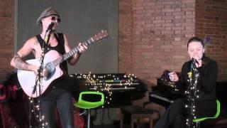 """Jesse & Joy - """"Esto es lo que soy"""" y """"Dueles"""" acústico en Bogotá, Colombia"""