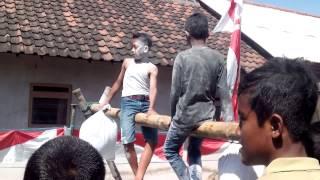 Dusun pendopo lomba kepruk bantal 2