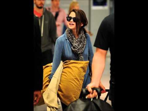 Selena Gomez: Going To New York City (June 8)