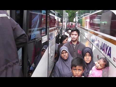 Terminal Bus Kampung Rambutan Jelang Mudik 2016: Bus Jateng Jatim dah Mulai Ramai