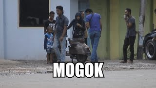 "SOCIAL EXPERIMENT "" KALAU CEWEK CANTIK MOGOK VESPA """