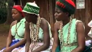 Repeat youtube video Beschneidungsrituale 3/9 Frau - Satanslehre