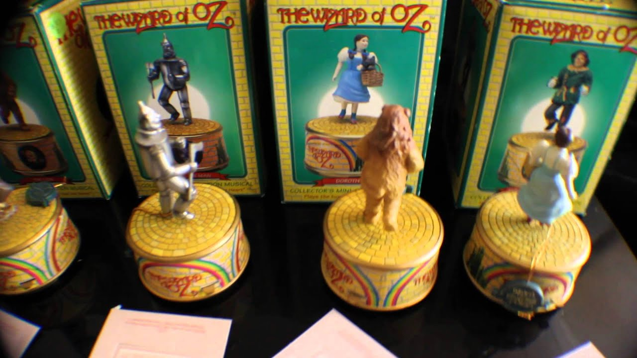 Wizard Of Oz Set Of Four Music Boxes By Enesco Dorthy Tin