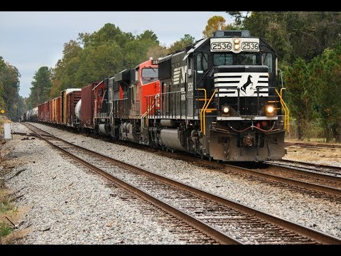 Autumn Afternoon Trains of Macon, GA: CSX, NS EMD's, CN, + Much More