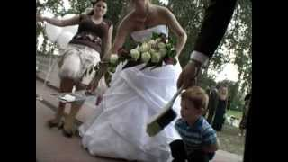 Unexpected wedding accident -  WEDDING GUEST SLIPS ON ROSE