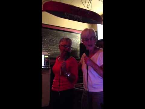 Pris and Ginny karaoke