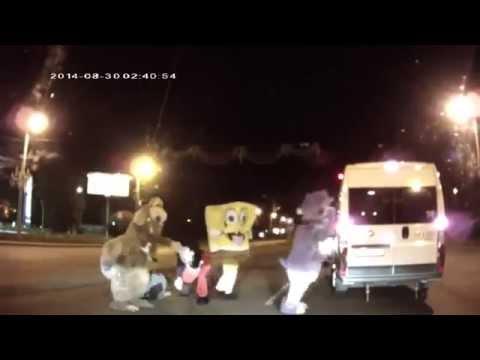 Приколы,драки на дорогах,смешные моменты,девушки за рулем. ДТП 1