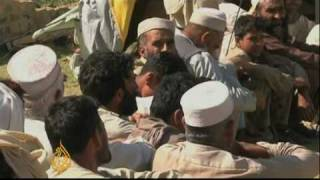 Pakistan aid camps struggle to help displaced - 10 May 09