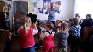 Первые занятия вокалом Мани 3 г.
