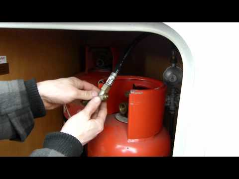 How to change a gas bottle