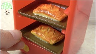 【KONAPUN】 Meat Pie making in Licca chan kitchen !Miniature fake food