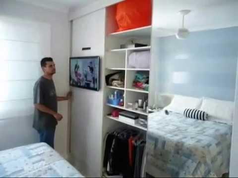 Armrio com TV Instalada na Porta de Correr  Narrado
