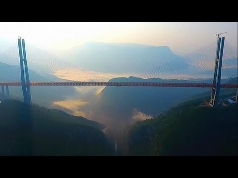 le plus grand pont suspendu au monde est en chine youtube. Black Bedroom Furniture Sets. Home Design Ideas