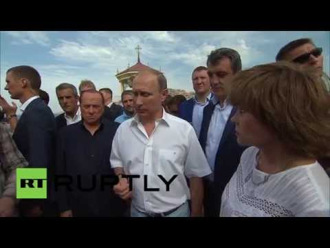 Russia: Putin and Berlusconi visit St. Vladimir's Cathedral in Crimea