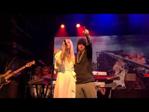 Eminem-Walk on Water Live in NYC with Skylar Grey *high quality*