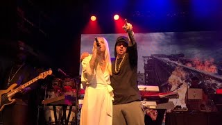 Eminem-Walk on Water (Live in NYC with Skylar Grey) *high quality*
