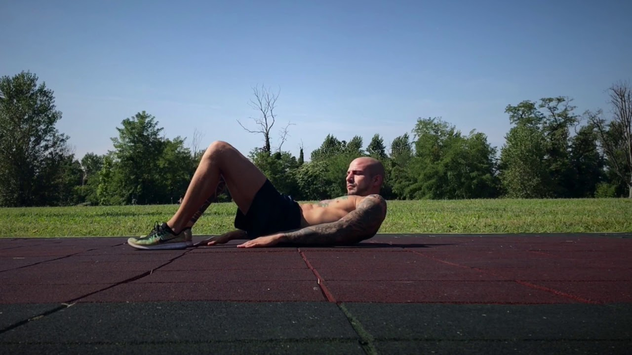 Hell Touch Crunch | olahraga mengecilkan perut