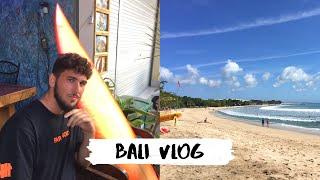 BALI SURF VLOG BUYING A BOARD - TRAVEL COUPLE 2019 | VLOG 13