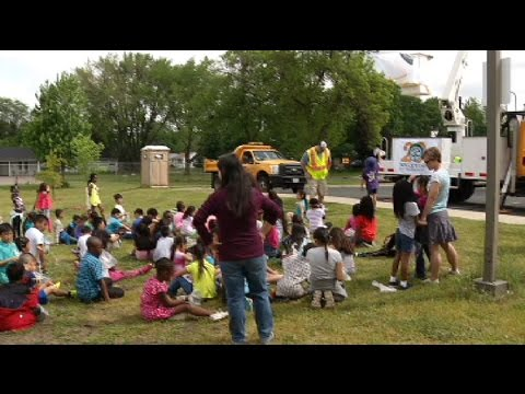 Garden City students help plant trees
