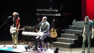 Brian McKnight - 6,8,12 (with Niko and Brian McKnight Jr.)