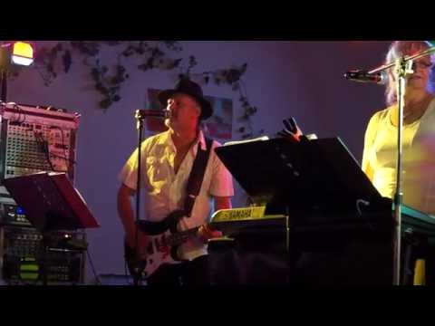 wolf-hess-showband---julia---kurpark-bad-klosterlausnitz---pfälzer-weinfest-2014