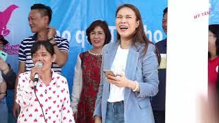 Câu Chuyện Đầu Năm - Mỹ Tâm hăng say múa minh họa cho cô hàng xóm đáng yêu | Quảng Nam xuân 2020