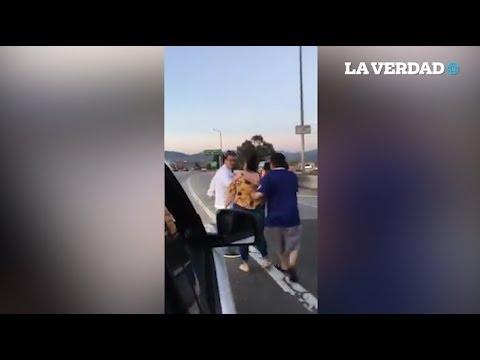 Gringos Llaman 'FRIJOLEROS' A Familia Latina Y Se Agarran A Golpes.