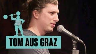 Tom aus Graz – Franz jagt im komplett verwahrlosten Taxi quer durch Bayern