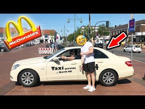 McDonalds PRANK | Mit dem TAXI durch den McDrive | FLEX IT