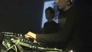 Commu Paul Niezen live Communication 14-10-2006 De Kelder Am