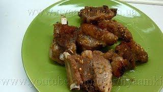 Вкусно и просто: Рецепт свиных ребрышек запеченных в рукаве. Видео пошагового рецепта.