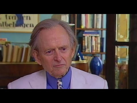 From 2006: Writer Tom Wolfe on journalism and voyeurism