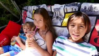 Игры для детей. Отдых у бассейна с лучшей подружкой Полен и ее братишками.(, 2016-08-31T07:19:03.000Z)