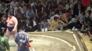 20140514 稀勢の里vs碧山 キセノン・・(-_-)大相撲夏場所4日目 情けな...