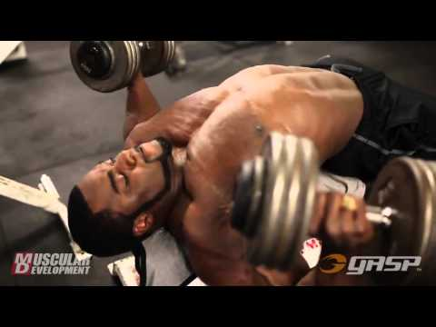 Brandon Curry - Trains Chest (4 Weeks Out From The Arnold Classic 2014) !!!