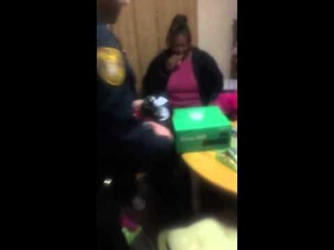 memphis-police-officers-replace-young-boy's-stolen-xbox