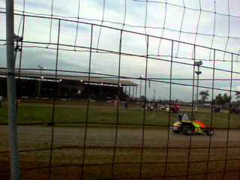 Make Up Feature on 091011 Miami County Speedway 3rd place.AVI