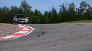 Testissä Volvo V40 D2 - ajettavuus (Teknari 14/2012)