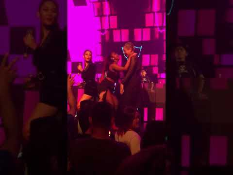 DJ SEXY GOYANG ANJING KACILI DI CORNER CLUB MANADO !