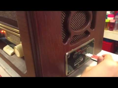 CD/MP3/FM VINTAGE STYLE WOODEN RADIO PLAYER