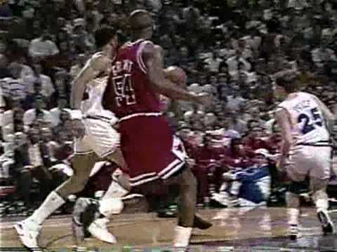 Bulls vs Cavs 1992 Playoffs - Game 4 - Michael Jordan 35 points