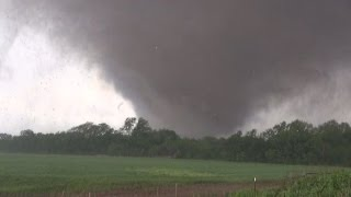 Moore, Oklahoma Deadly EF5 Tornado 5-20-2013 by Val and Amy Castor thumbnail